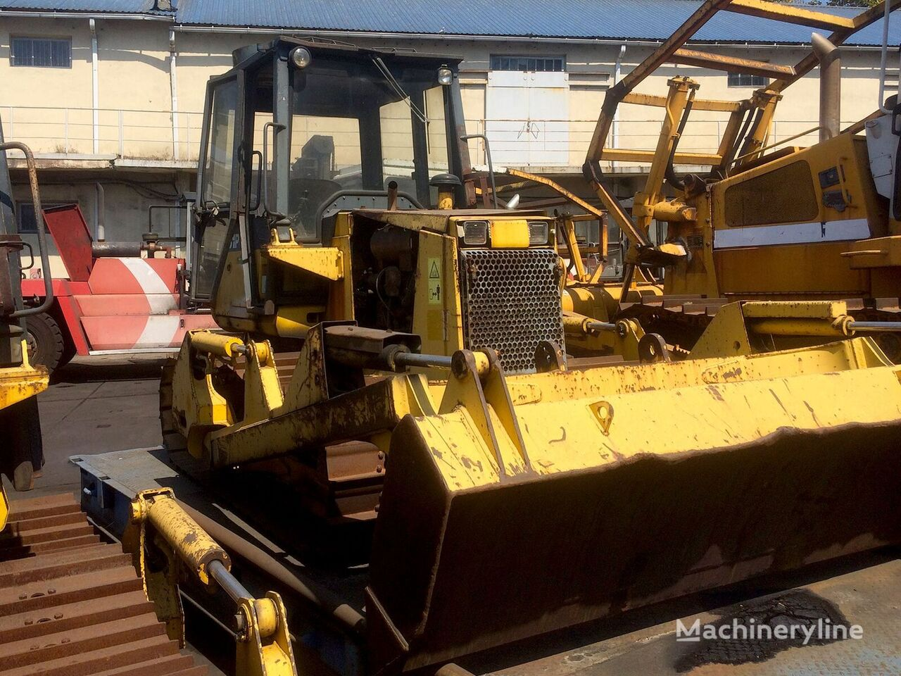 KOMATSU D31P-20 bulldozer