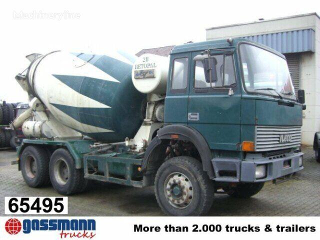 IVECO 260 / -25 AHB  camión hormigonera