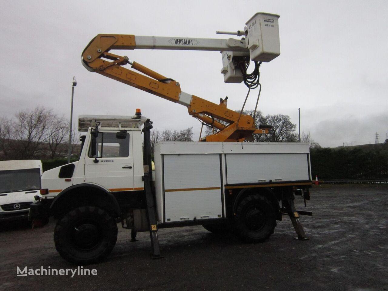 MERCEDES-BENZ UNIMOG U2150  plataforma sobre camión