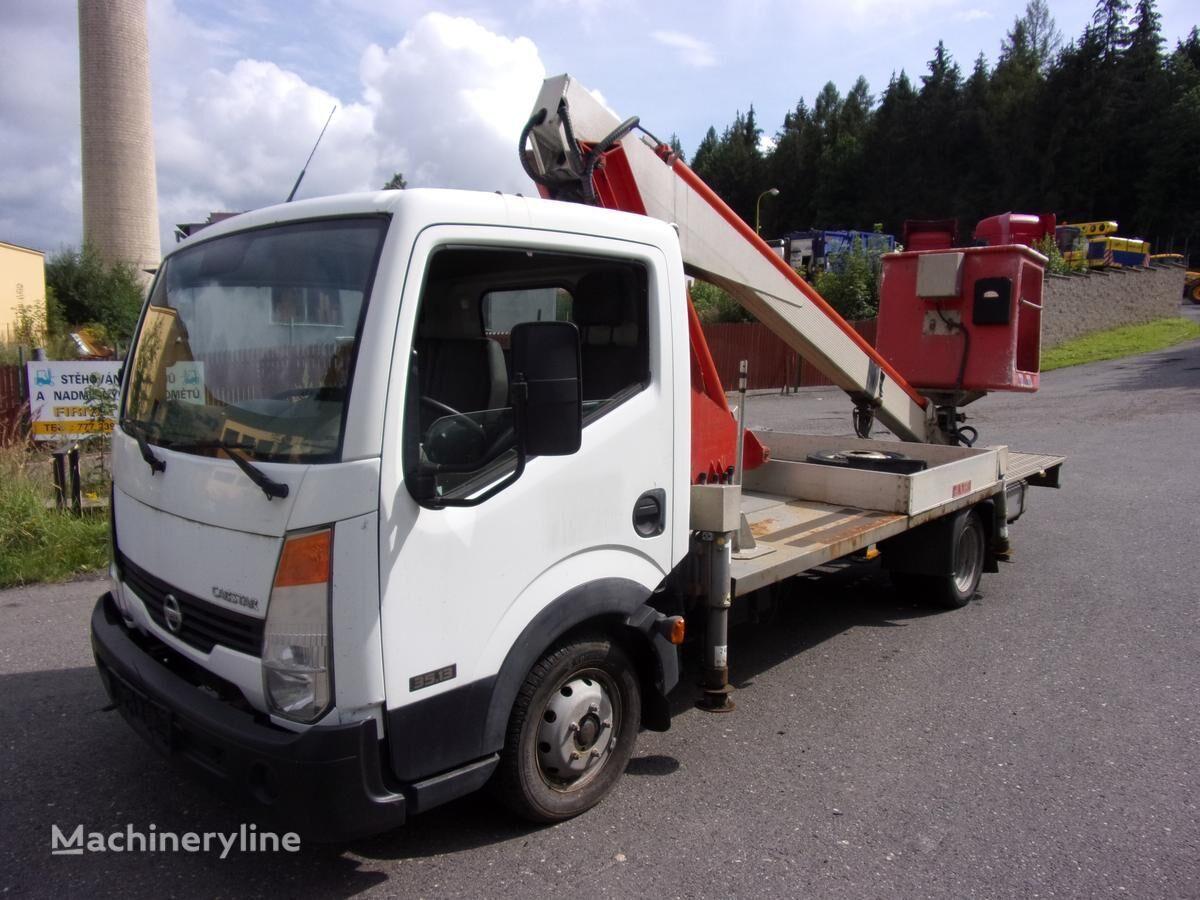 NISSAN F24.25.35 plataforma sobre camión