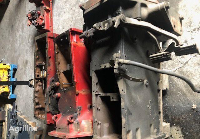CASE 895 - Podnośnik elevador de coche de tijera
