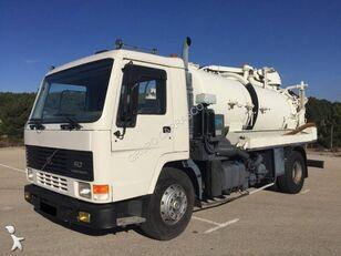 VOLVO FL7 240 camión de vacío