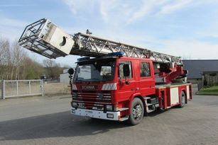 SCANIA 82M Doppelkabine plataforma de bomberos