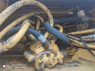 Pluma Elevación distribuidor hidráulico para GROVE RT60S RT LENTA grúa móvil