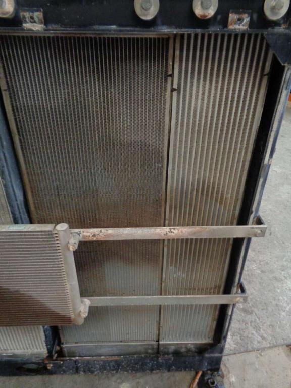 enfriador de aceite del motor para NEW HOLLAND E 385 B excavadora