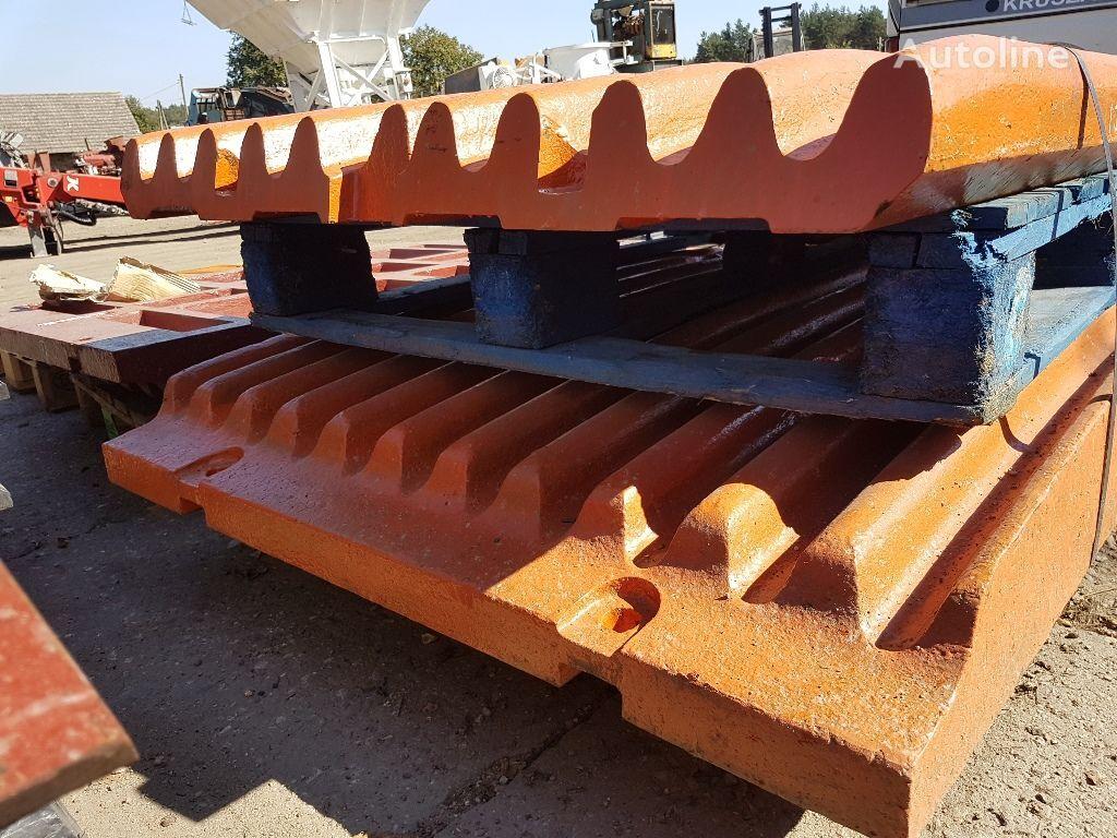 Extec, Sandvik  EXTEC C12 jaws, wear plates (J47HDE, J471HDE) recambios para EXTEC C12, QJ 340 trituradora